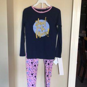 Oshkosh girls pajama set size 5T NWT
